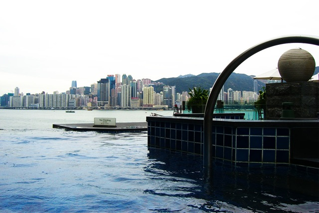 Intercontinental-Hong-Kong-infinity-jacuzzi