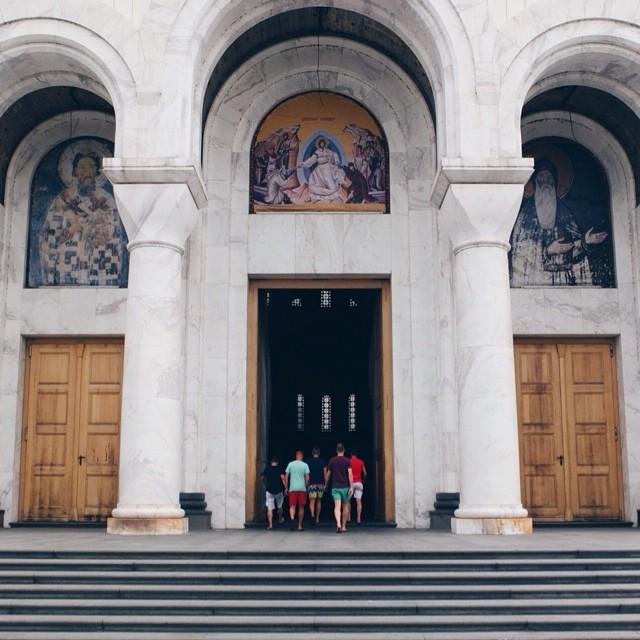 entree st sava kerk belgrado