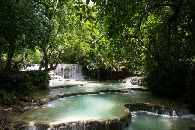 De waterval van Kuang Si