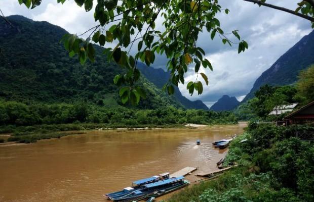 Uitzicht vanaf Muang Ngoi