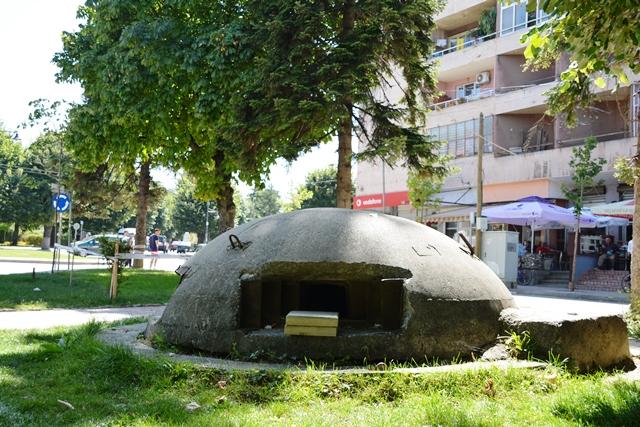 1 van de 700.000 koepelvormige bunkers, een overblijfsel uit het communistische tijdperk