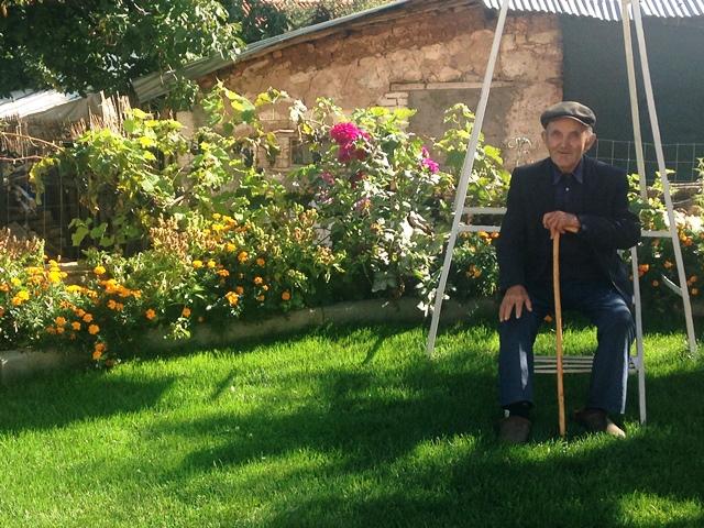 De oudste weerman van Albanie