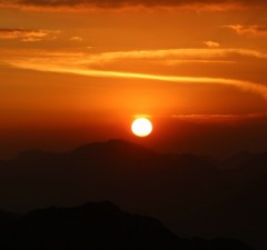 03 Sunset Bromo crater