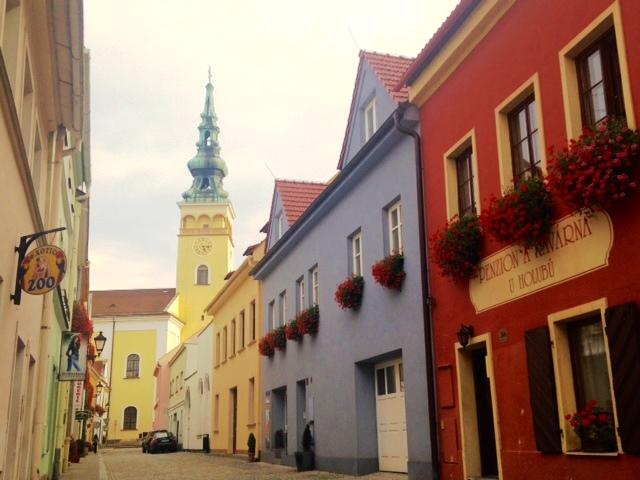 De kleurrijke straten van Novy Jicin