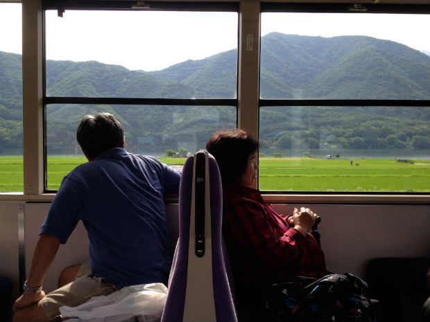 Train_Japan_Countryside