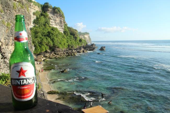 Bali Bintang op cliff