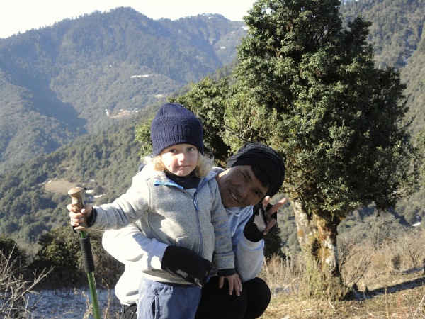 Nepal_Hiking_Kids