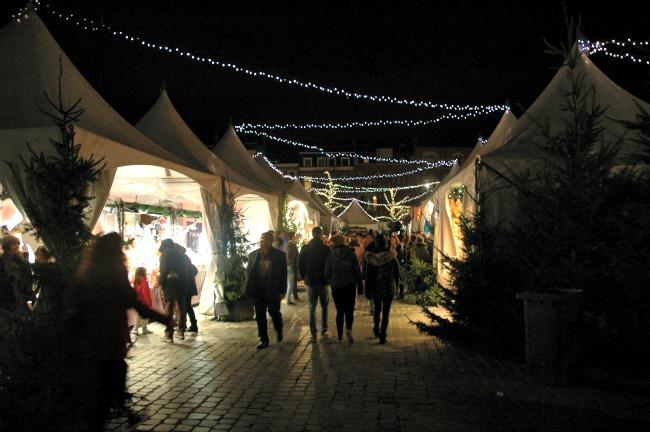 kerstmarkt-wintertijd-in-leuven