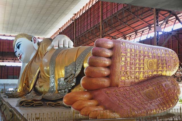 De liggende buddha in Yangon