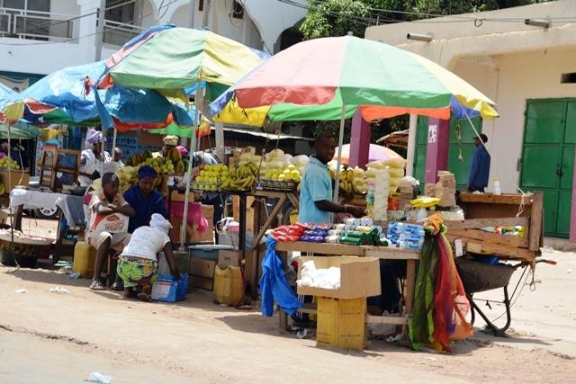 De kleurrijke straten van Gambia