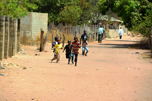 De kinderen in Gambia heten je van harte welkom