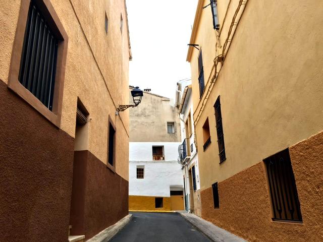 De kleurrijke straten van Parcent