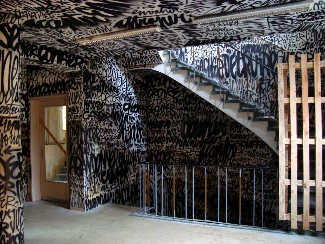 Uniek tijdelijk werk van Denis Meyer in het oude Solvay gebouw