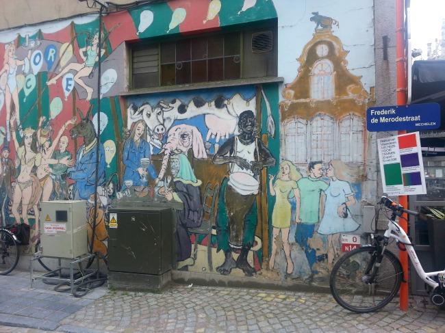 Street-art kleurt de Mechelse binnenstad, loop dit zijstraatje in aan de Grote markt