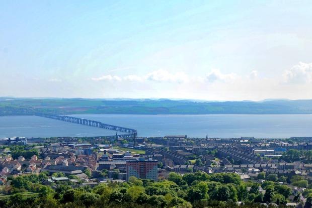 Uitzicht vanaf Dundee Law
