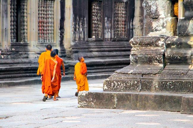 7-cambodja-monniken