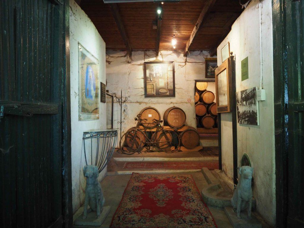 Muratie Wine Estate: de entree van de eeuwenoude boerderij - Wijn is fijn in Stellenbosch! - Vive Le Voyage