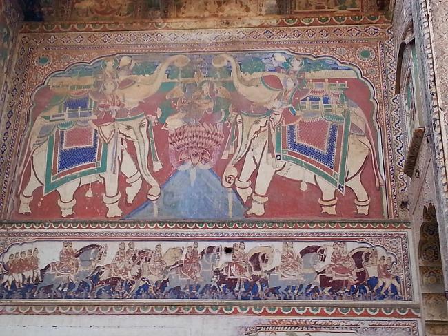 Thema's van fresco's variëren van: volkssprookjes, mythologische voorstellingen, tot voertuigen of familie portretten.