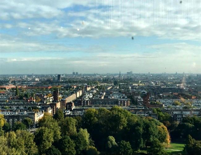 uitzicht-op-amsterdam-floor-17-ramada-hotel