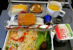singapore-airlines-vliegtuigmaaltijd-eten-in-de-lucht-luchtvaartmaatschapij