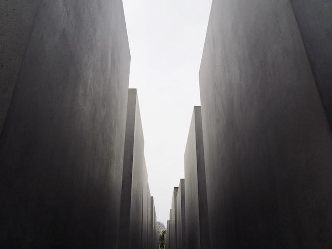 Fietsen in Berlijn en het bezoeken van het Holocaustmonument
