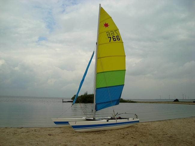 catamaran zeilen in Flevoland