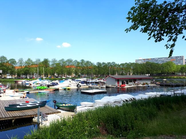 Watersporten aan de Sloterplas in Amsterdam Nieuw-West