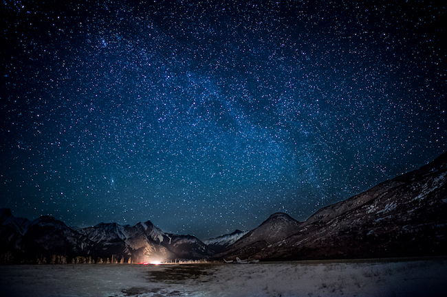De mooiste sterrenhemel zie je in Jasper tijdens je wintersport in Canada