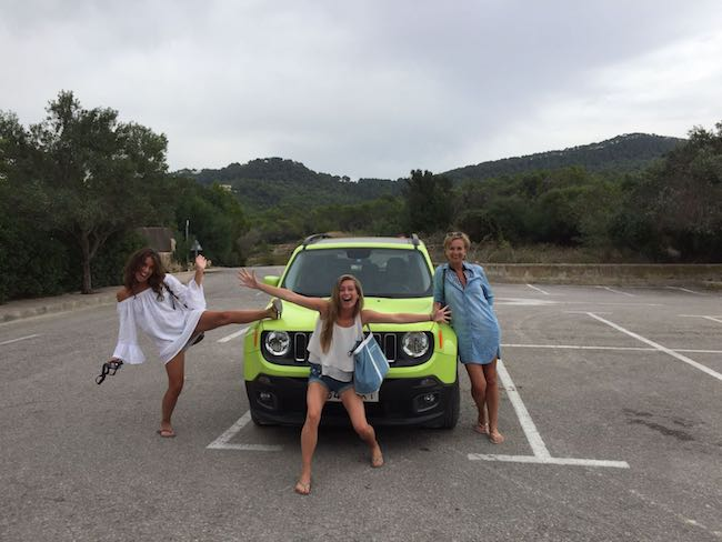 Roadtrip over Ibiza in een Jeep