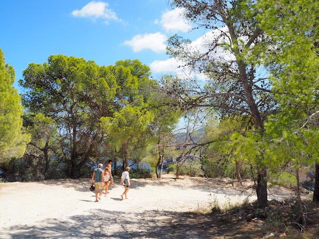 Baaitjes en strandtenten op Ibiza