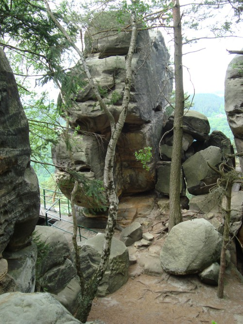 Bewonder grillige rotsformaties in Ceska Raj