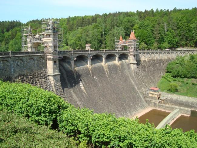 Bewonder Les Kralovstivi, de oudste stuwdam van Tsjechië