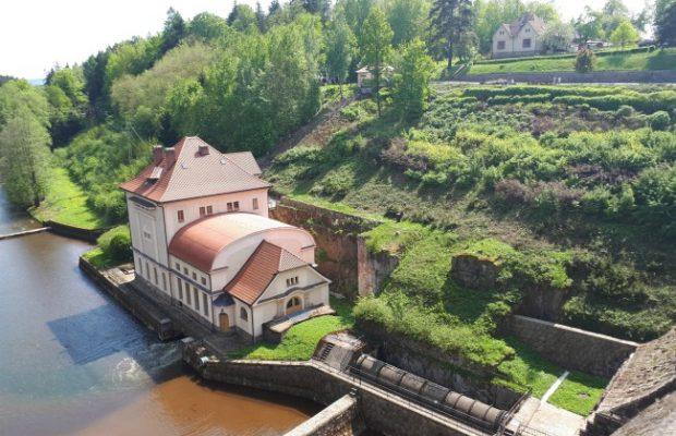 De sprookjesachtige oudste stuwdam van Tsjechië